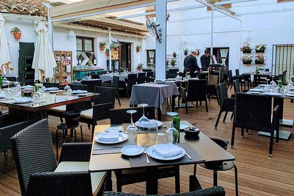 Terraza del Restaurante Aguatinta